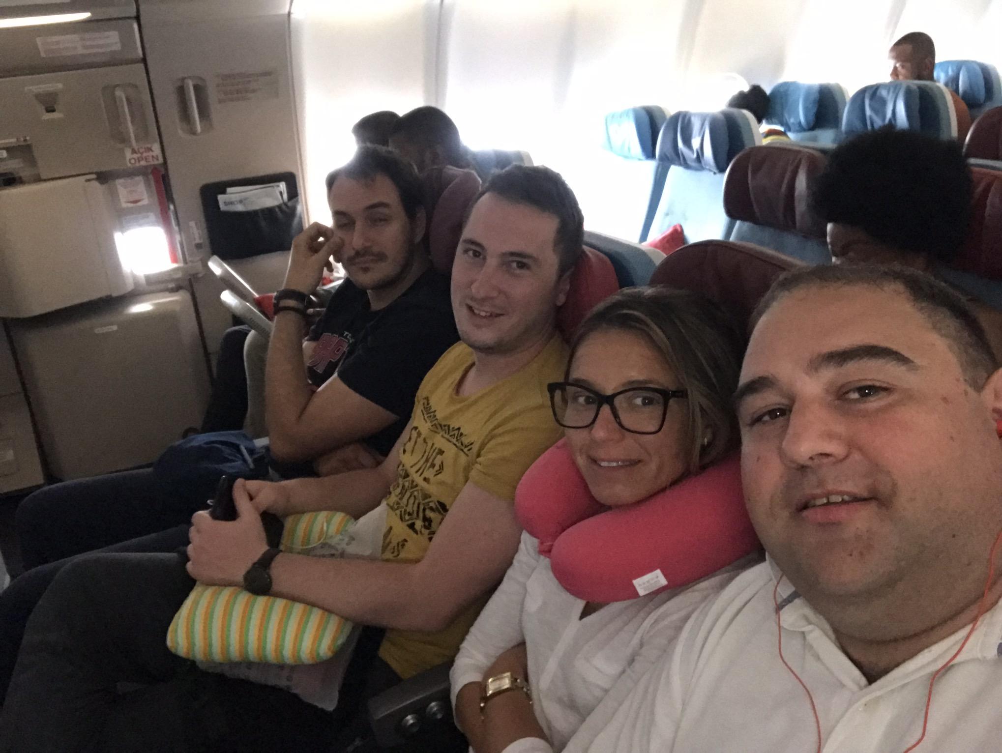 Grupna slika iz aviona